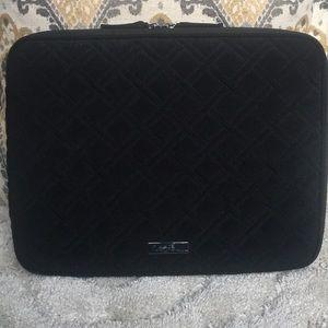 "Vera Bradley • Quilted Black Laptop Case • 15"""